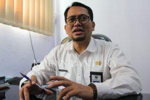 Plt Kepala Dinas Pendidikan Kabupaten Probolinggo Fathur Rozi menjelaskan tentang SE Studi Wisata Kabupaten Probolinggo. (Deni Ahmad Wijaya/Koran Pantura)